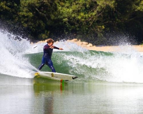 dane-reynolds-surf-artifical-wave-wavegarden-full-clip-448